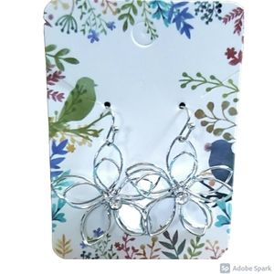 Jewelry - Free with Purchase! NWOT Flower Earrings